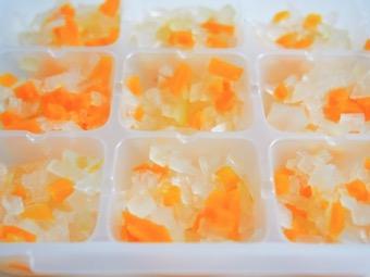 離乳食 製氷皿 取れない