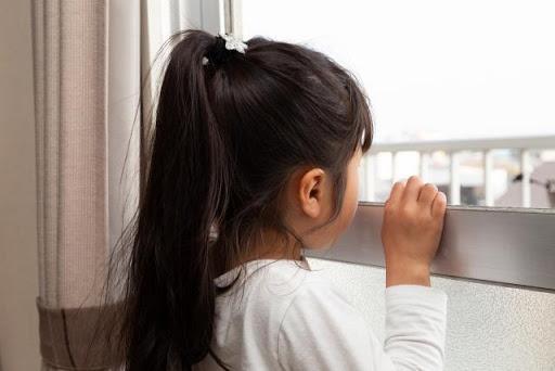 子供 留守番 いつから 一人で 何歳から 仕事 2歳 3歳 4歳 5歳 6歳 7歳 8歳