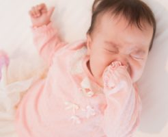 赤ちゃん 授乳中 怒る