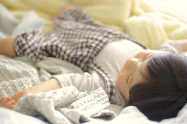 赤ちゃん 雨の日 よく寝る